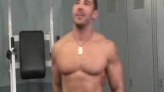 Cayden Ross muscle posing and jo live show
